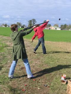 Lisa shooting claypigeons